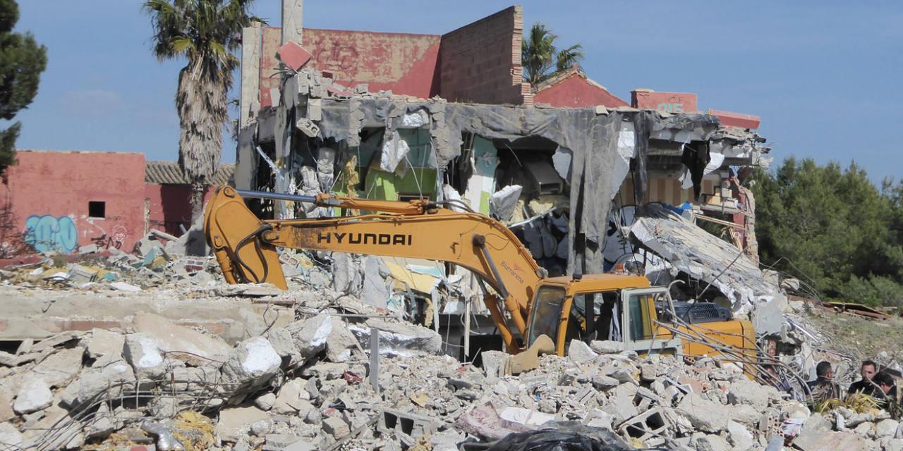 Demolición de Las Beatillas: que nunca más haya que esperar 20 años para derribar un edificio ilegal