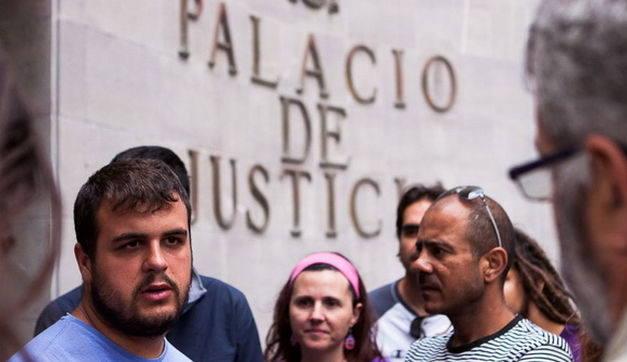 En apoyo a Roberto Mesa, por la libertad de expresión