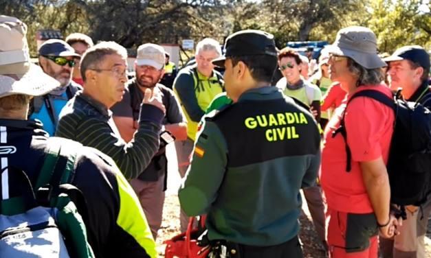 Sancionan a otro senderista por pasar por la colada del Camino Alto de Prado del Rey a El Bosque