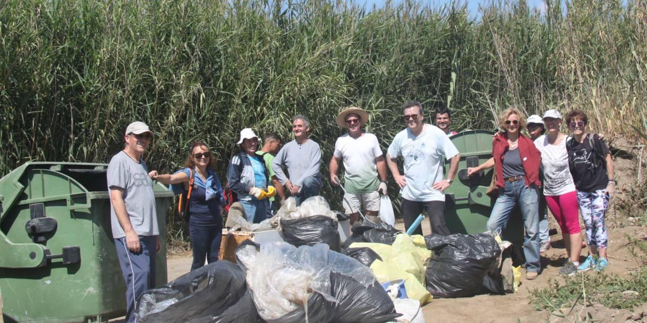 Limpian el Delta del río Vélez