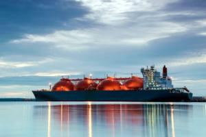 El gas natural no descarbonizará el sector del transporte marítimo europeo