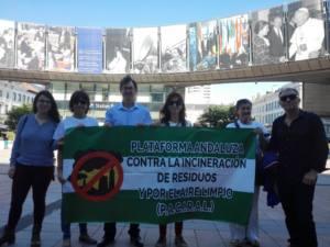 Visitan el Parlamento Europeo para tratar el tema de la incineración de residuos