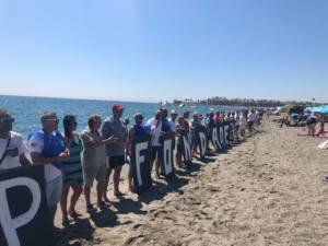 Cadena humana contra el fondeadero de buques del Puerto de Algeciras