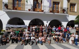 Concentración en solidaridad con Víctor Calderón en el ayuntamiento de El Bosque