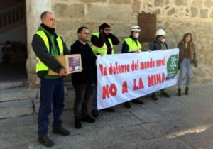 Más de 100.000 firmas contra la Mina de Fontanarejo