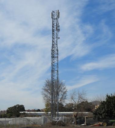 Reclaman el desmantelamiento de una antena en Lorca