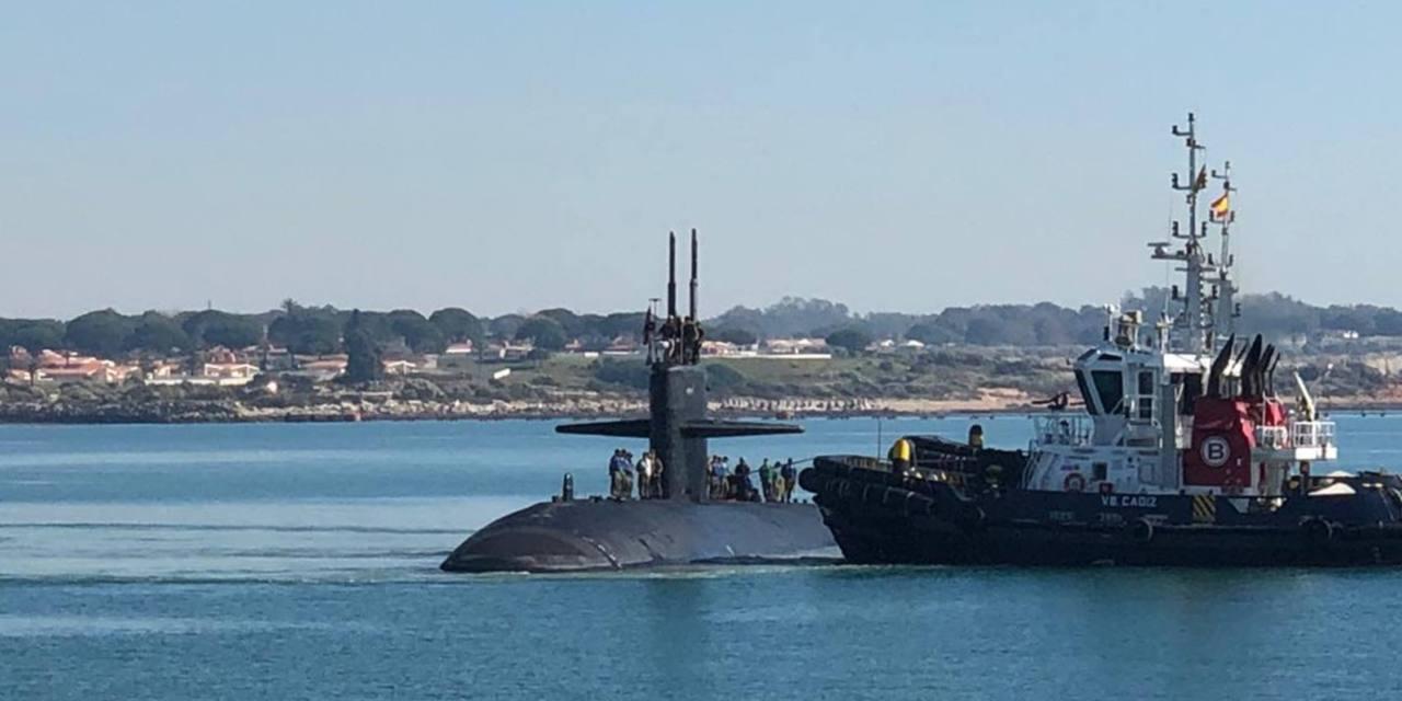Piden información sobre la posible escalada de un submarino nuclear en Rota