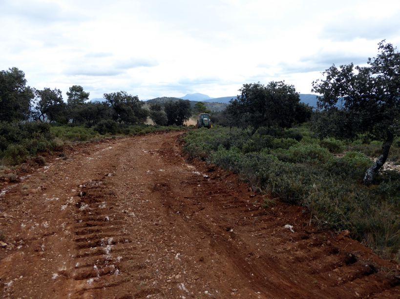 Construcció il·legal d'una pista al Parc Natural de la Font Roja