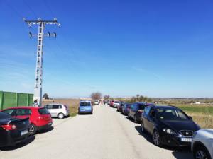 Denuncian el aparcamiento de vehículos en una vía pecuaria de Alcorcón