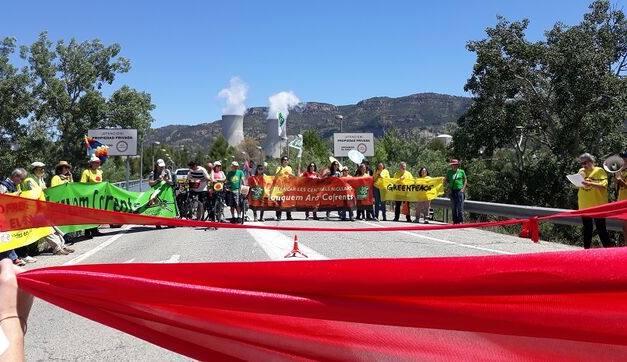 Marxem a Cofrents per a demanar el tancament de la nuclear valenciana