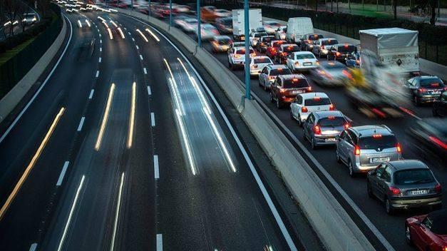 Los coches nuevos emiten más CO<sub>2</sub>