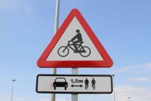 Ciclistas se concentran pidiendo un nuevo Plan Ciclista