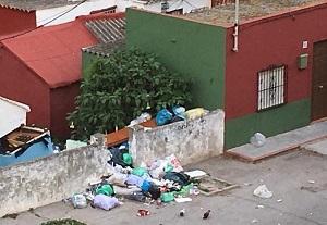 Image result for contaminacion de basura en casa