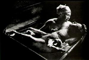 Foto: W. Eugene Smith (Tomoko Uemura in Her Bath. Minamata, 1972)